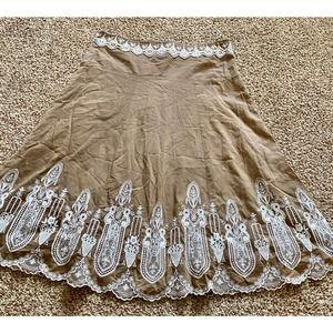 Le Chateau women medium brown lace skirt